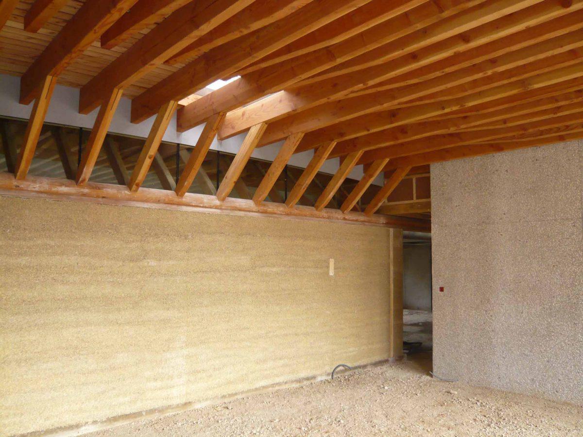 mur en chanvre banché naturellement acoustique